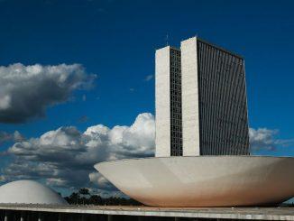 Aprovação de PL pode alavancar mercado de créditos de carbono no Brasil, afirma especialista